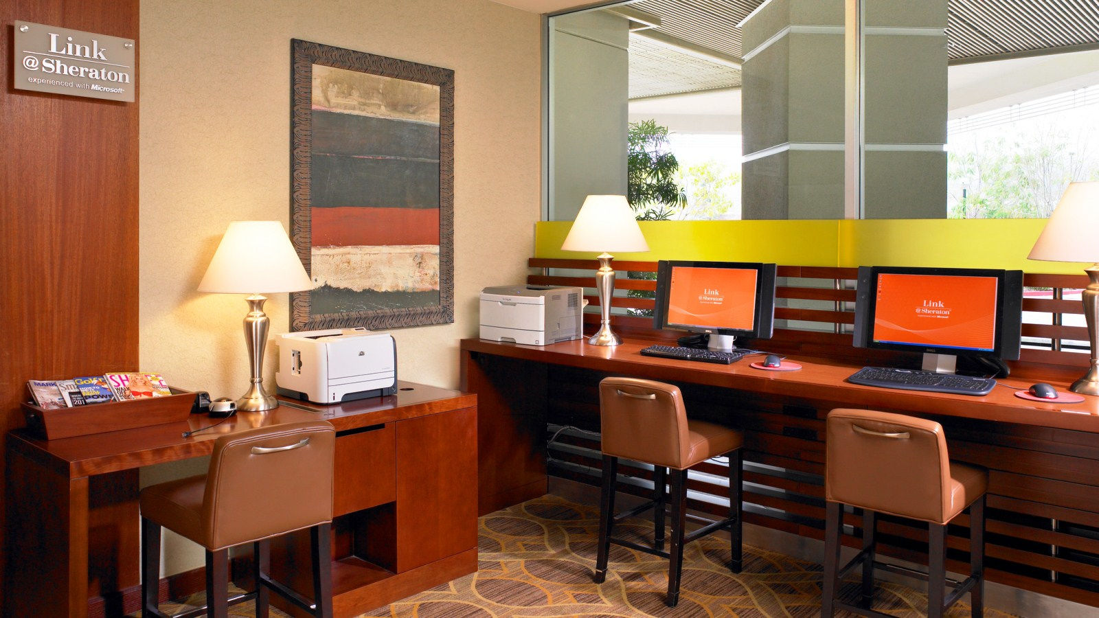Hotel Amenities - Lobby Workstation