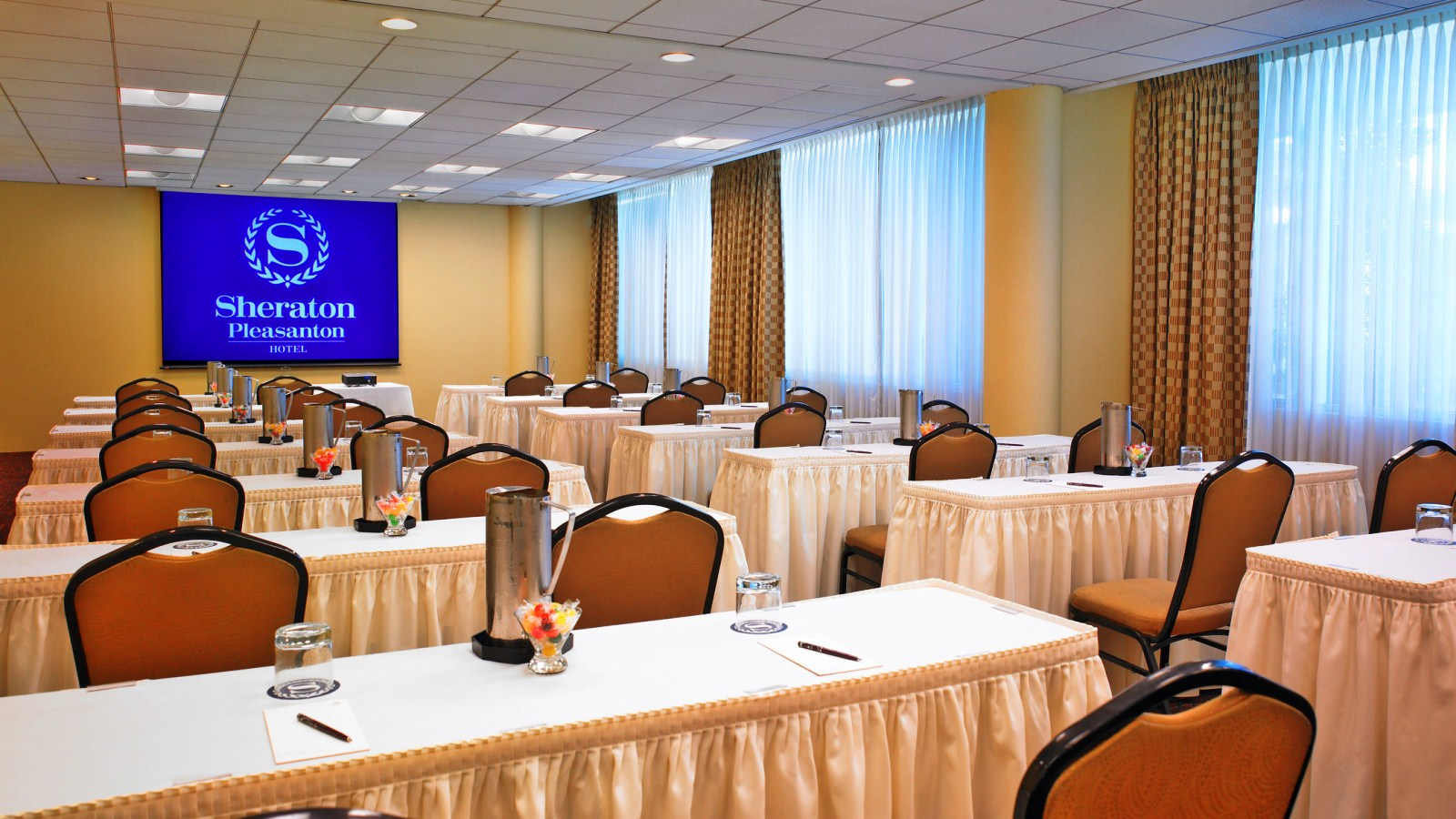 For large meetings, our Pleasanton meeting space can accommodate up to 130 people.