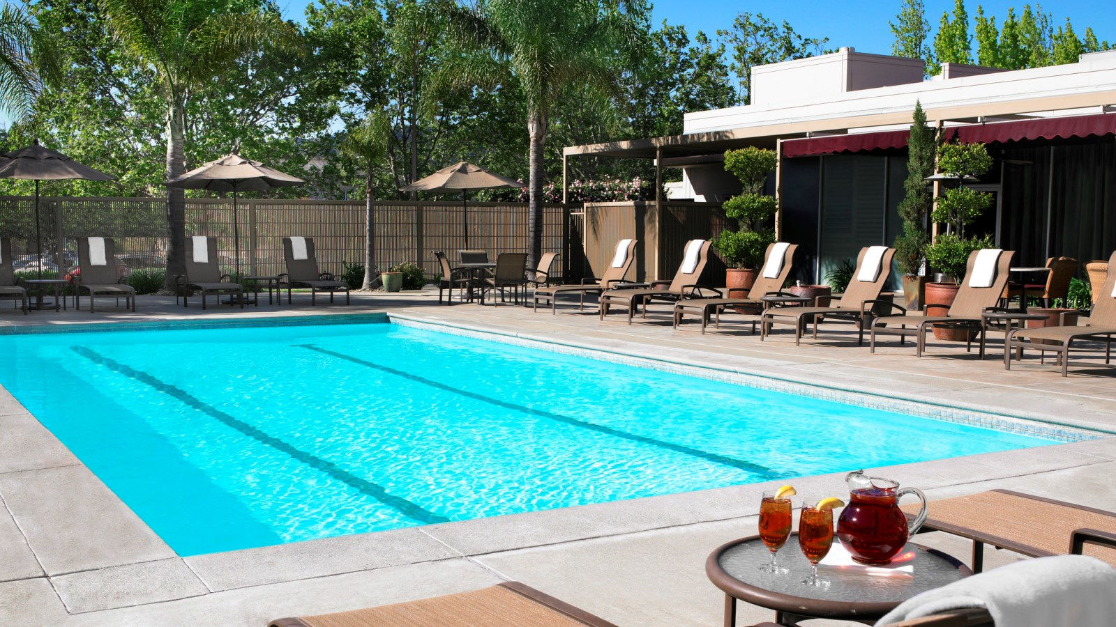Hotel Amenities - Sheraton Fitness Center & Outdoor Pool