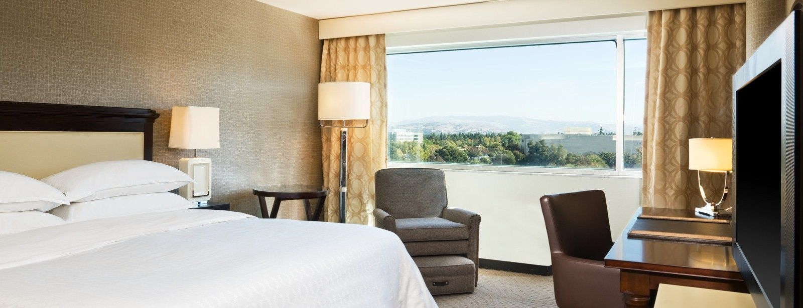 Deluxe Rooms | Sheraton Pleasanton Hotel